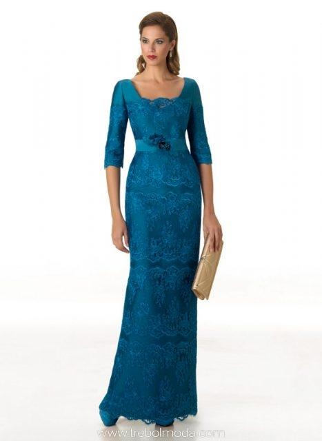72f7d9852cd Vestido largo con falda vaporoso y escote con transparencias. Mod. 10189.  Color rojo talla 48