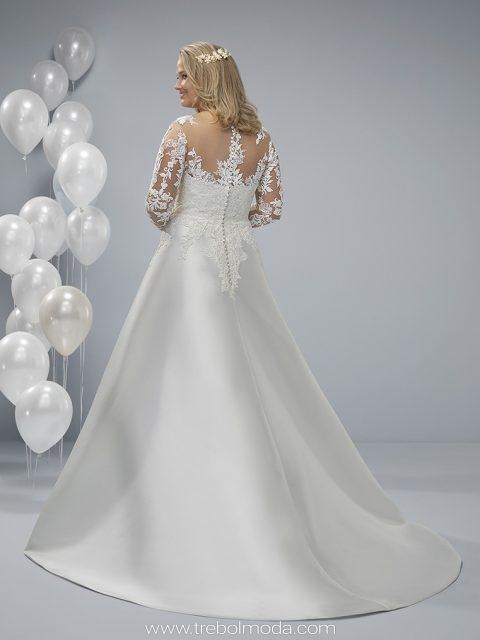 7828cd4eb Oma  Vestido de novia estilo clásico. Con mangas largas